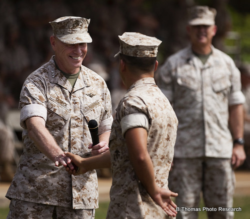 Marine Receives a Bronze Star Medal
