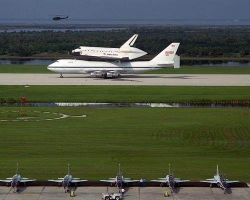 Space Shuttle Endeavour Arrives at Ksc for First Time