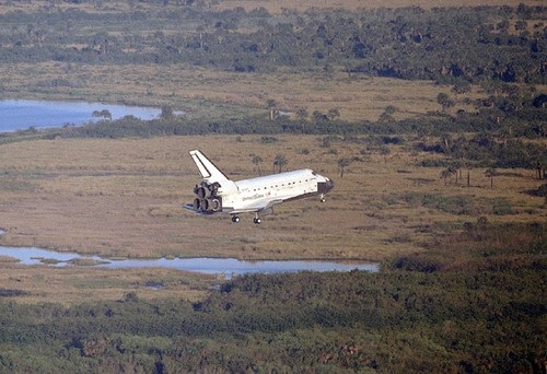 STS-56 Landing (Space Shuttle Discovery)