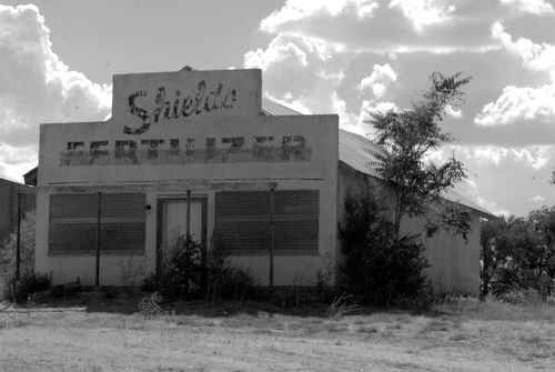 Shields Fertilizer in Lelia Lake, Texas