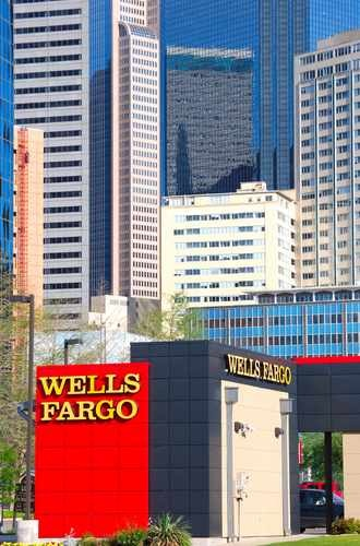 Wells Fargo Bank Building (vertial)
