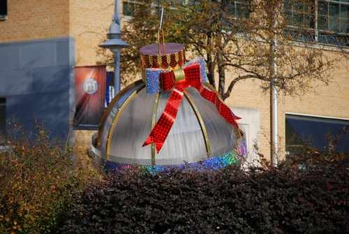 Extra large outdoor christmas decorations photograph extra for Very large outdoor christmas decorations