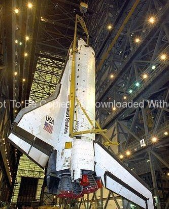 STS-70 Mating (Discovery) GPN-2000-000978