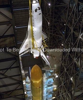 STS-79 Destacking in VAB GPN-2000-000782