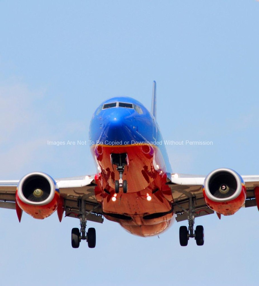 Southwest Airlines Boeing 737 Landing